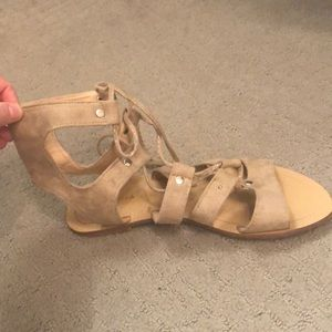 Chase and Chloe tan sandals